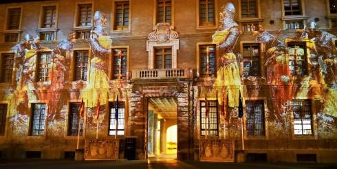 Escena de la proyección en la fachada exterior del Edificio Pignatelli.jpg